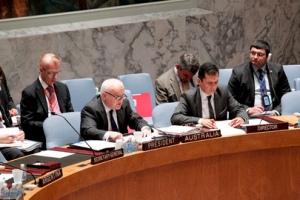 Gary Quinlan (second from left), Permanent Representative of Australia to the UN and President of the Security Council for the month of September, briefs members in his capacity as Chairman of the Council's 1737 Sanctions Committee on Iran. UN Photo/JC McIlwaine